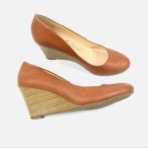 Jessica's Simpson brown round toe wedges Sampson